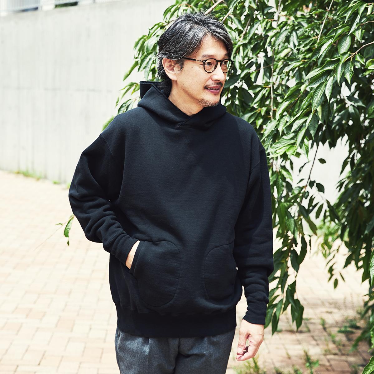 吊り編み機によって、ゆっくりと丹念に編み上げることで、手編みのようなふっくらとした風合いが生まれた。スポルディング社の名作から、現存していない「ブラック」をMade in Japanで「サイドラインパーカ/シングル」|A.G. Spalding & Bros