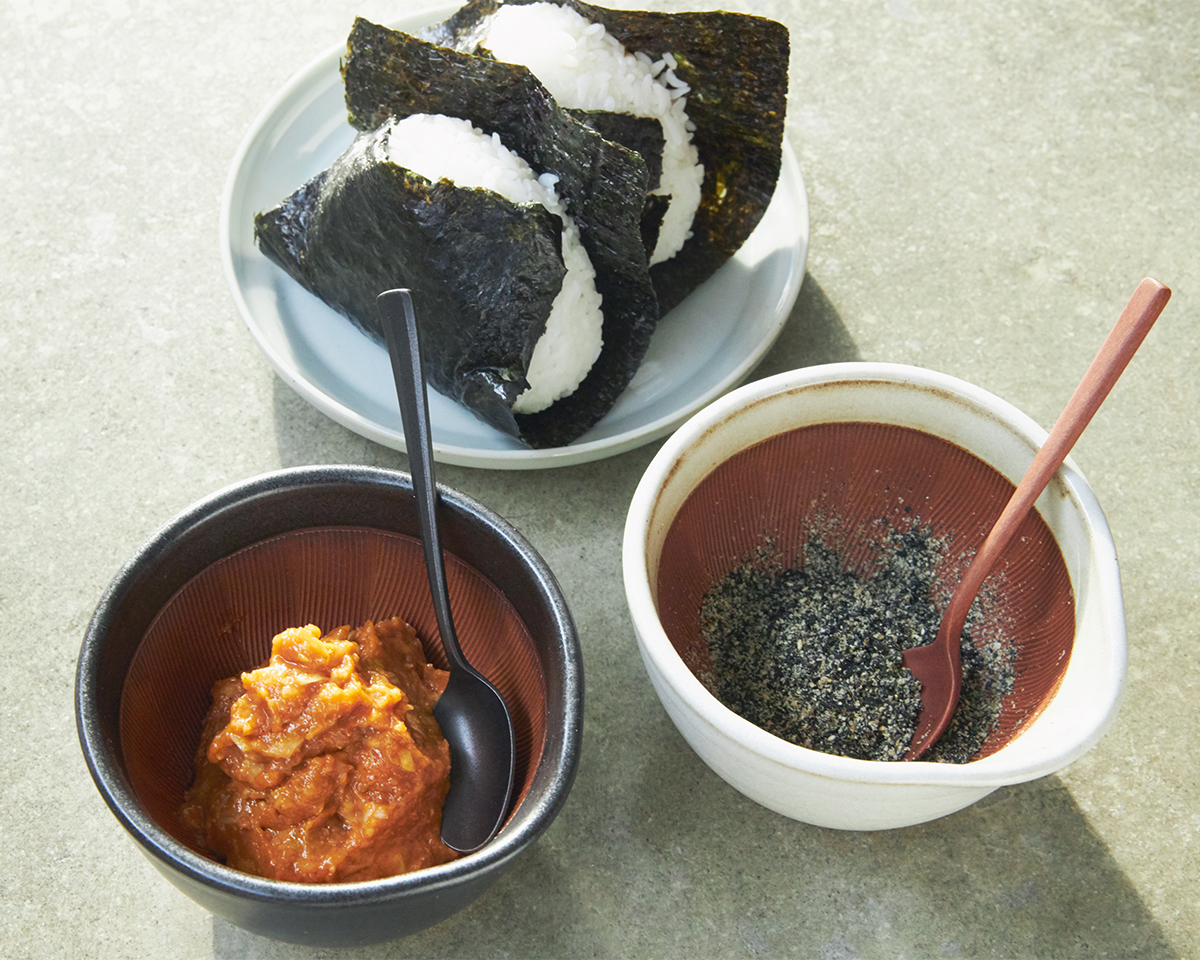 夏のごちそう「冷汁」に。鉢の中で玉子サンドやポテトサラダが完成!そのまま器になる石見焼のすり鉢とすりこぎ棒|もとしげ