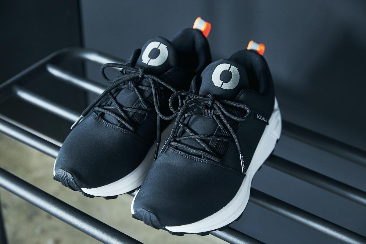 安定感のあるソール、足首を程よくホールドしてくれるミドルカットで、軽やかに歩ける一足|ECOALF