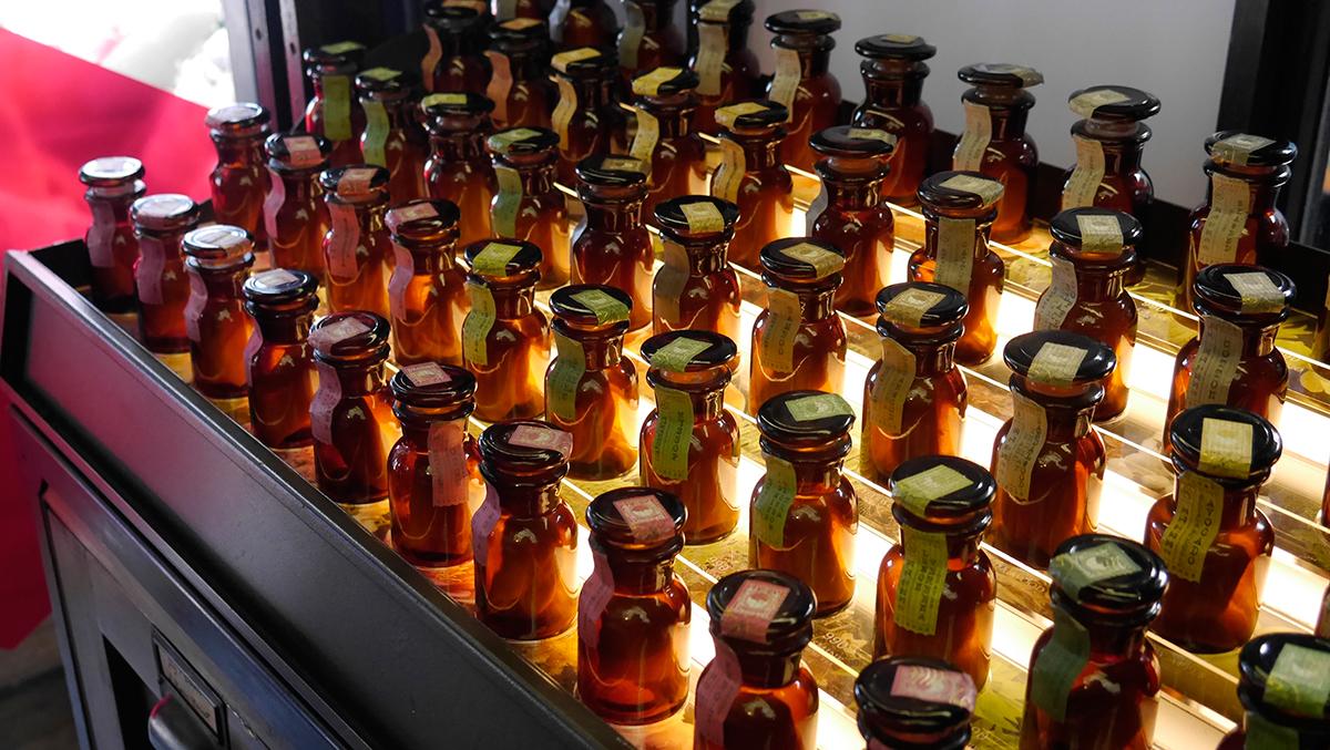 ひとつの香りを楽しむのはもちろん、複数の香りを重ねて楽しめる。ルームスプレー・ルームパフューム|タイ王室御用達のアロマブランド『KARMAKAMET(カルマカメット)』