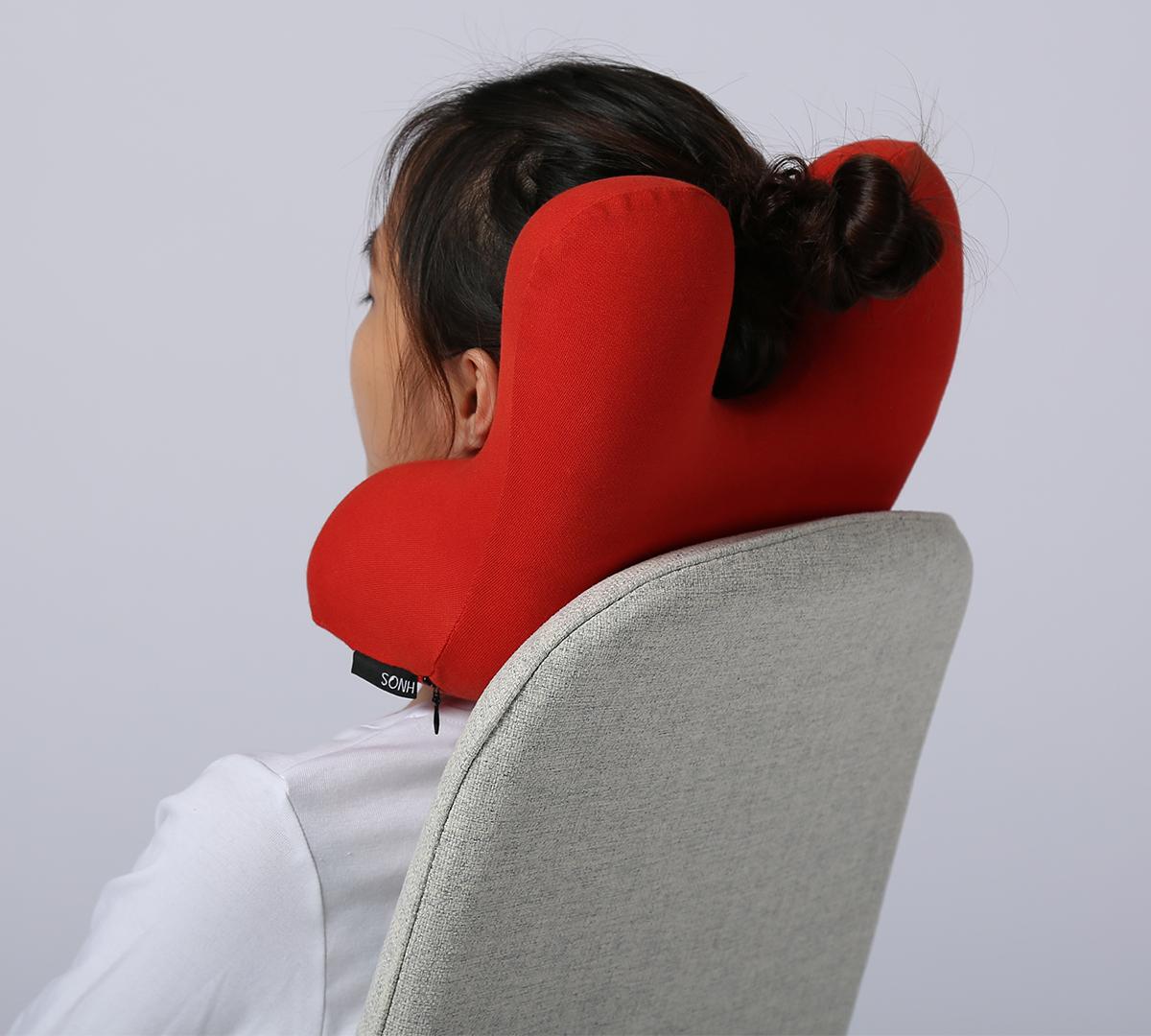 首の頸椎から後頭部へのS字カーブに沿って、頭を自然な角度で支える|ソファピロー
