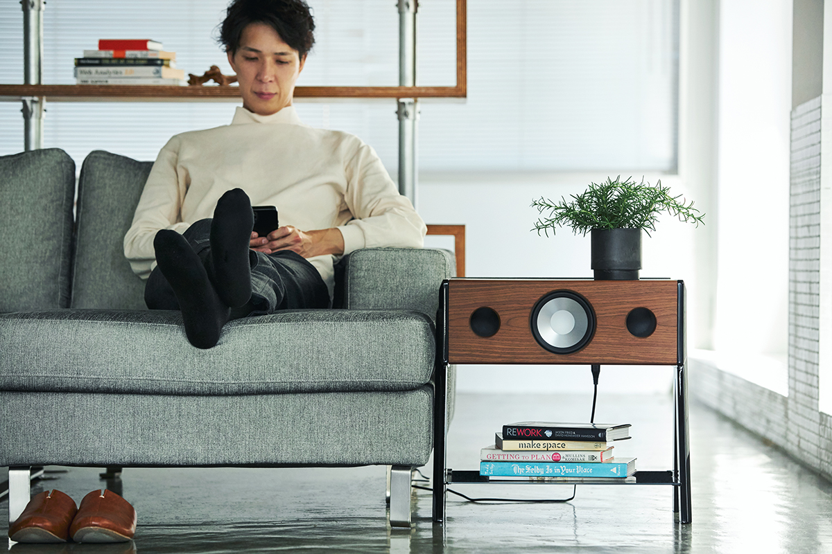 コンパクトなスピーカー1台とは思えない、臨場感あふれる音です。美しい家具のような高級スピーカー・オーディオ家具|La Boite Concept CUBE(ラ ボアット コンセプト キューブ)