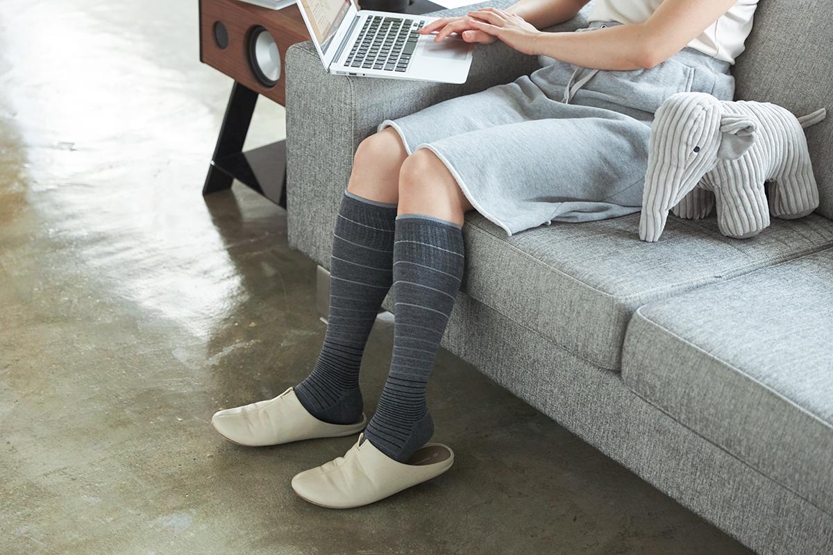 足のだるさ、重さを軽減。夏は涼しく冬は暖かいメリノウールを使用した、血液やリンパの流れをサポートする着圧ソックス(健康ソックス・靴下)|Sockwell(ソックウェル)