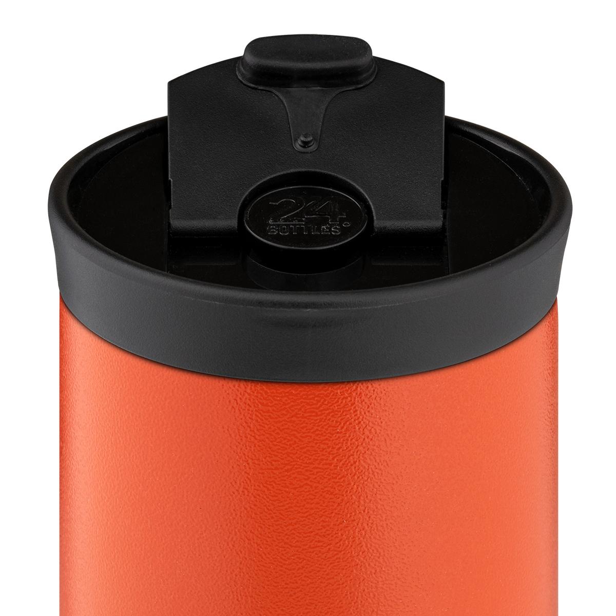 ボトル本体は、真空層を挟んだ、二層ステンレス製。コーヒーや紅茶は温かいまま、水やスポーツドリンクは冷たいまま、おいしい温度をキープできます。毎日持ち歩きたくなる、色柄豊富なイタリアンデザインのマイボトル|24Bottles(トゥエンティーフォーボトルズ)