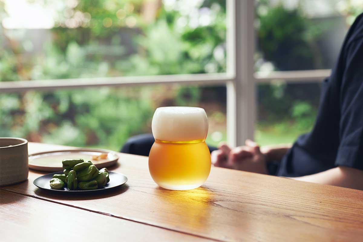 普段使いに、おもてなしに、テーブルコーディネートに華を添える。持ちやすさ、使いやすさ抜群。丸みとくびれのあるお洒落なデザイン|双円(そうえん)のグラス
