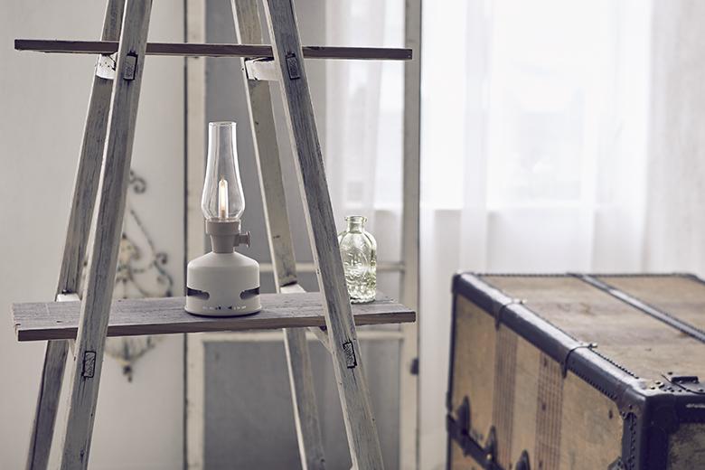 「音楽」と「灯り」のノスタルジックな化学変化。イン&アウトで楽しめる、LEDランタンスピーカー|MoriMori
