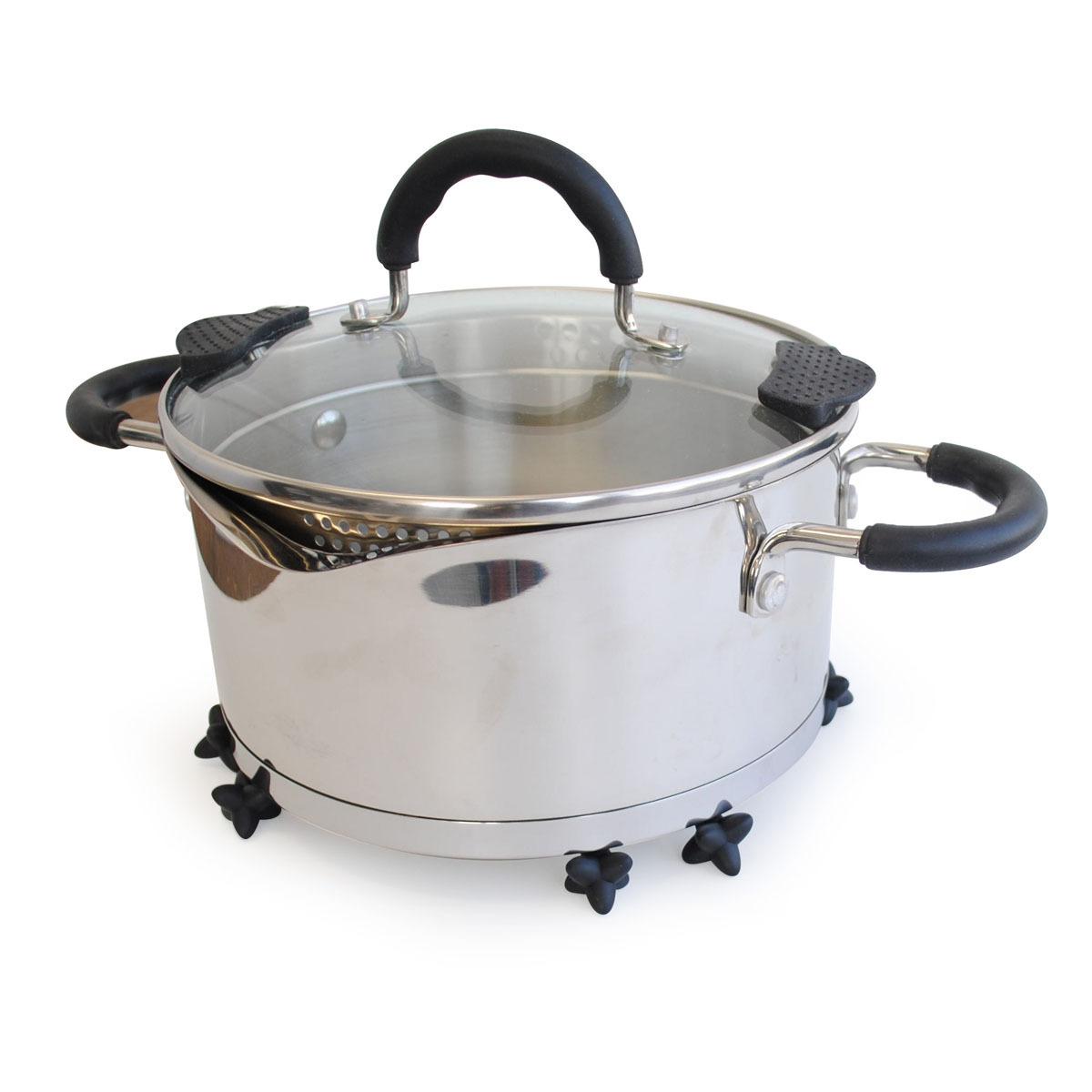 TOVOLO タンブルトリベット 収納スペースを考えたら、ミニマルな鍋敷きになりました。