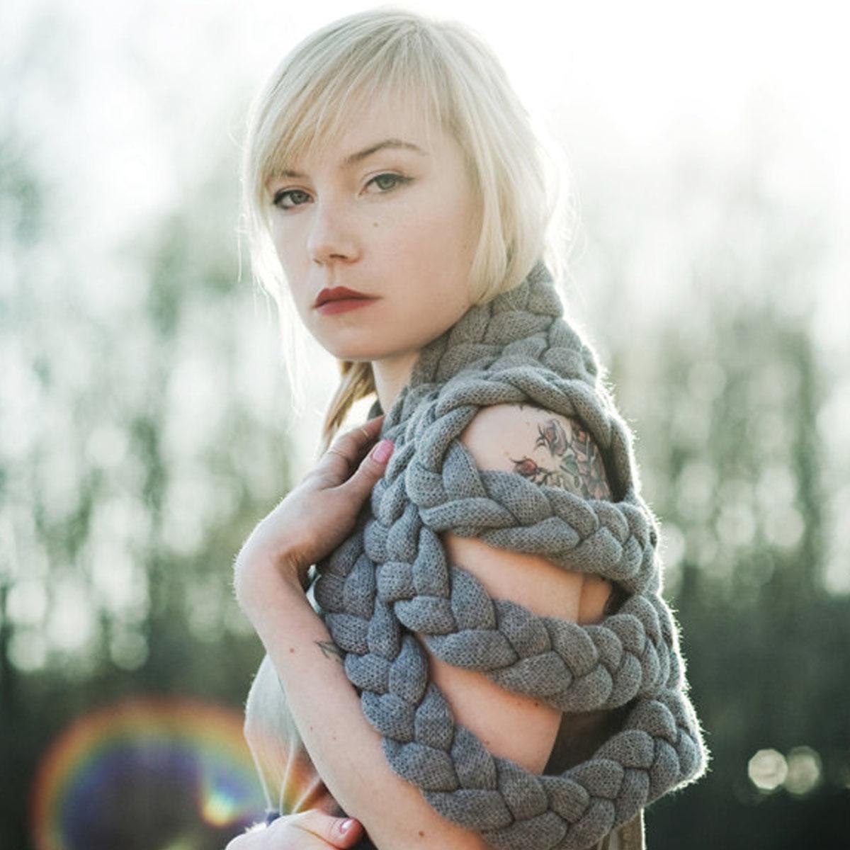 celapiu|Grey  Braided Shrug | グレー - 編み目のドレープが個性的なシュラグ