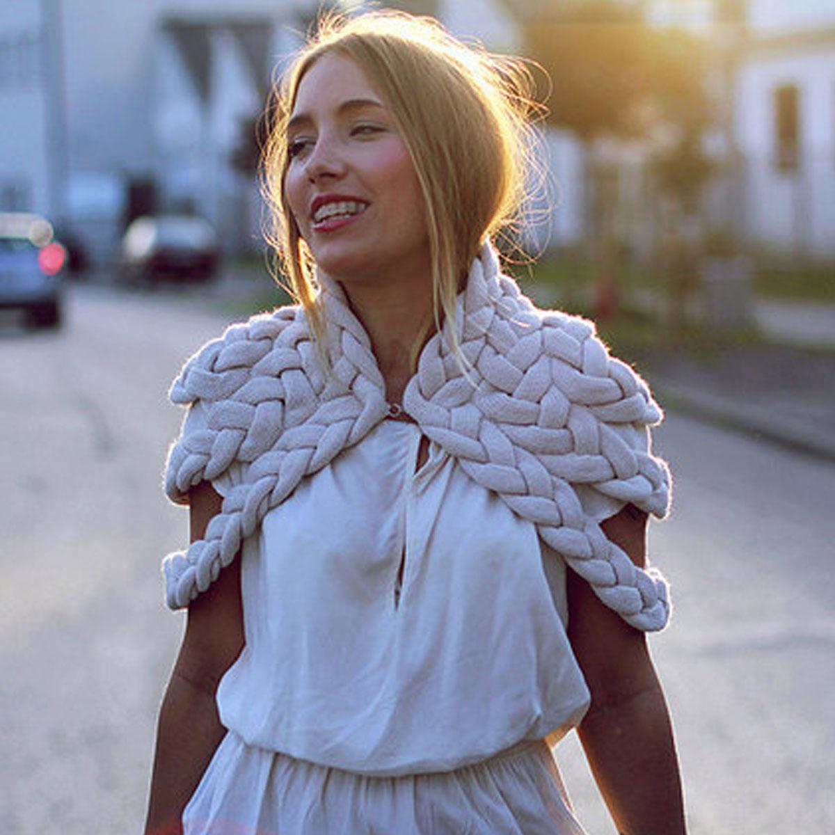 celapiu|Chalk  Braided Shrug | チョーク - 編み目のドレープが個性的なシュラグ