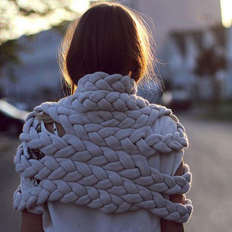 celapiu|Chalk  Braided Shrug | チョーク - 編み目のドレープが個性的なシュラグ|