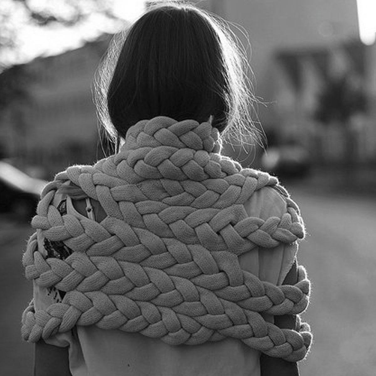 celapiu|Charcoal  Braided Shrug  | チャコール - 編み目のドレープが個性的なシュラグ