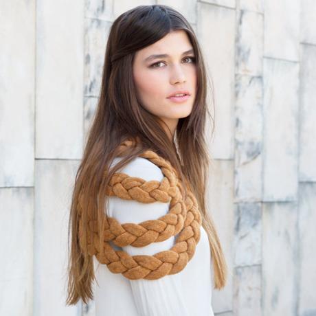 celapiu|Honey  Braided Shrug  | ハニー - 編み目のドレープが個性的なウール製シュラグ|