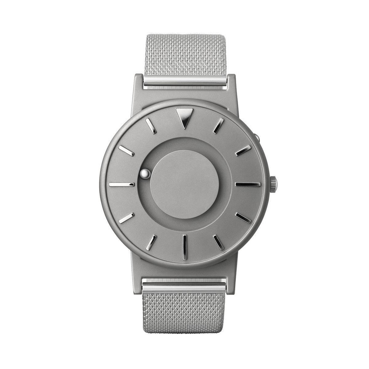 触る時計『EONE』|《MESH SILVER》なめらかな装着感のメッシュバンド、触って時間を知る時計 | EONE