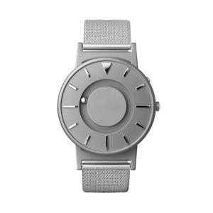 《MESH SILVER》なめらかな装着感のメッシュバンド、触って時間を知る時計 | EONE