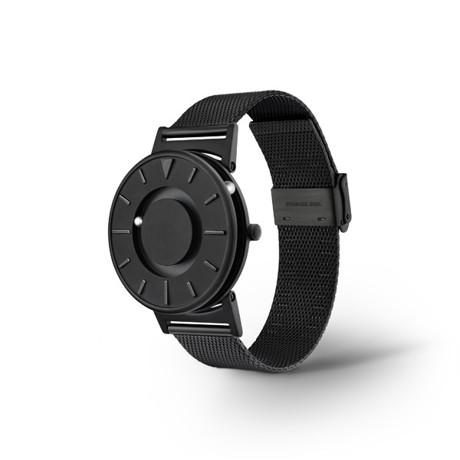 触る時計『EONE』|《MESH BLACK》なめらかな装着感のメッシュバンド、触って時間を知る時計| EONE|
