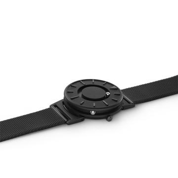 触る時計『EONE』|《MESH BLACK》なめらかな装着感のメッシュバンド、触って時間を知る時計| EONE