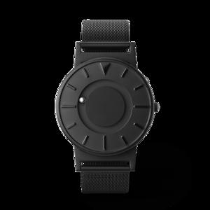 《MESH BLACK》なめらかな装着感のメッシュバンド、触って時間を知る時計| EONE