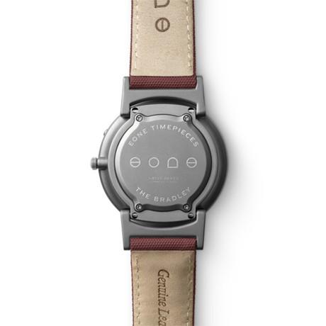 触る時計『EONE』|《CLASSIC CANVAS》汗や水に強いキャンバス素材のバンド、触って時間を知る時計| EONE|WINE