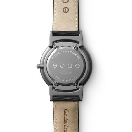触る時計『EONE』|《CLASSIC CANVAS》汗や水に強いキャンバス素材のバンド、触って時間を知る時計| EONE|AQUA