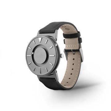 触る時計『EONE』|《CLASSIC CANVAS》汗や水に強いキャンバス素材のバンド、触って時間を知る時計| EONE|BLACK