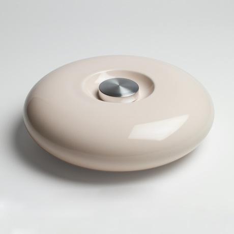 陶器の「湯たんぽ」|足湯のようなじんわり優しい温かさ。あなたの頭寒足熱を支える「陶器」でできた魔法の湯たんぽ | Yutanpo by Masahiro Minami|PINK