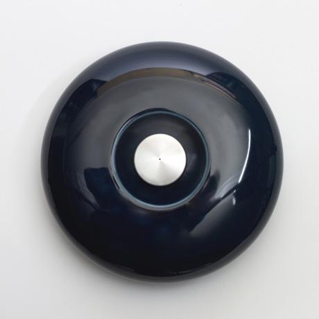 陶器の「湯たんぽ」|足湯のようなじんわり優しい温かさ。あなたの頭寒足熱を支える「陶器」でできた魔法の湯たんぽ | Yutanpo by Masahiro Minami|NAVY