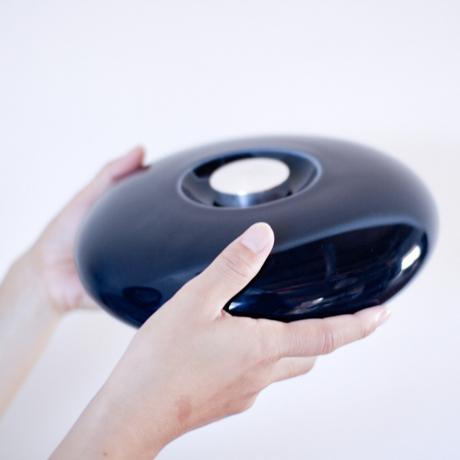 陶器の「湯たんぽ」|足湯のようなじんわり優しい温かさ。あなたの頭寒足熱を支える「陶器」でできた魔法の湯たんぽ | Yutanpo by Masahiro Minami