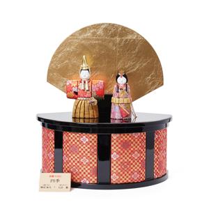 《四季 立雛飾》毎年飾るのが楽しみになる、7つの日本伝統工芸をコンパクトにした、木目込みプレミアム雛人形 | 四季 立雛飾