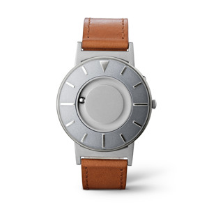 《VOYAGER》品性と知性を醸し出すイタリア製本革バンド、触って時間を知る時計| EONE