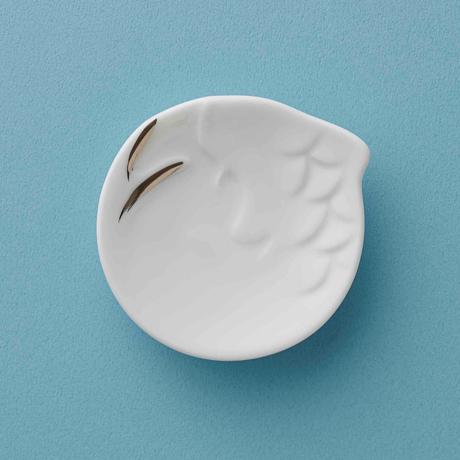 引越し・移転祝いに贈りたい「盛り塩皿」|毎日をちょっぴり豊かに、縁起がいい動物をモチーフにした「もりしお」セット | 動物縁起もりしお|鯉(銀)(在庫限り)