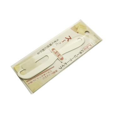 手の温度で溶けるバターナイフ|秘密は「体温」- 手の温度でバターを削り、そのまま薄く塗れるバターナイフ | バターナイフ(ピーラータイプ)|SILVER