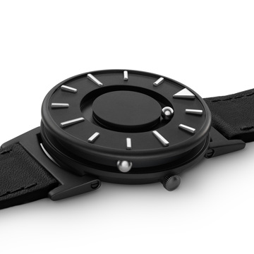 触る時計『EONE』|《BRADLEY×DEZEEN》世界中から注目されるデザインメディア『Dezeen』とのコラボモデル、触って時間を知る時計|EONE