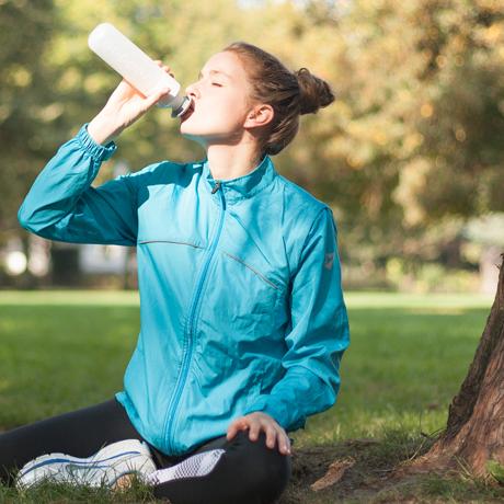 毎日持ち歩きたい「ウォーターボトル」|毎日の水分補給をサポートする「水」専用ボトル|Dopper Original