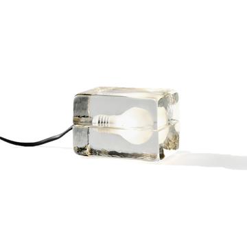 リラックスには『オレンジの灯』|「光」を味方につけて、家を至福のリラックス空間に - ニューヨーク近代美術館に永久展示されている美しいガラスの間接照明 | BLOCK LAMP mini(ブロックランプ・ミニ)