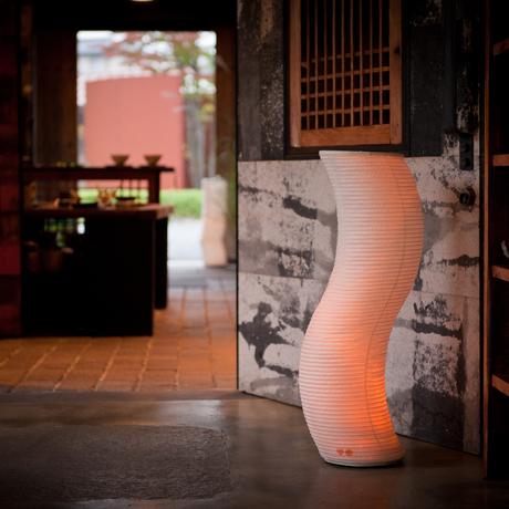 癒しの揺らぐ提灯式ランプ|STANDARD - リラックス空間を作る「提灯式」ランプ| 松|
