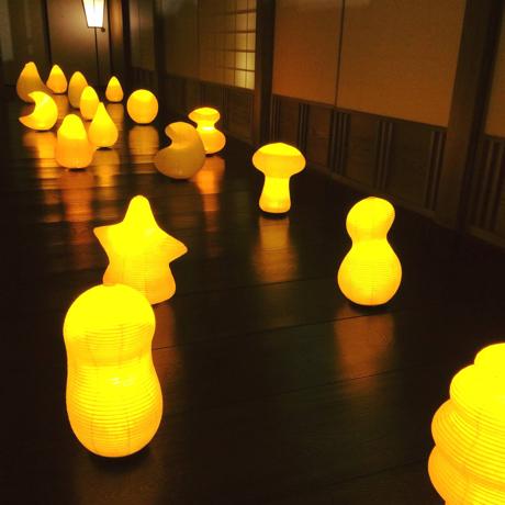 癒しの揺らぐ提灯式ランプ|SWING - リラックス空間を作る「提灯式」ランプ|なつのくも|