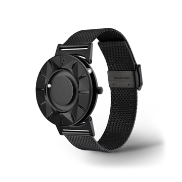 触る時計『EONE』|《ELEMENT》「触る」価値を極限まで追求した原点回帰モデル、触って時間を知る時計| EONE