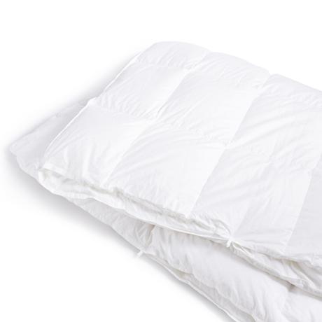 深い眠りを叶えてくれる「羽毛布団」|《羽毛布団/シングル》一年中使える2枚ペア構造、深い眠りを叶えてくれる高品質羽毛布団 | クラウズ / ポーランド産ホワイトグースダウン90%(MONOCO限定)