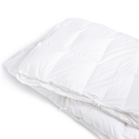 深い眠りを叶えてくれる「羽毛布団」 《羽毛布団/クイーン》一年中使える2枚ペア構造、深い眠りを叶えてくれる高品質羽毛布団   クラウズ / ポーランド産ホワイトグースダウン90%(MONOCO限定)