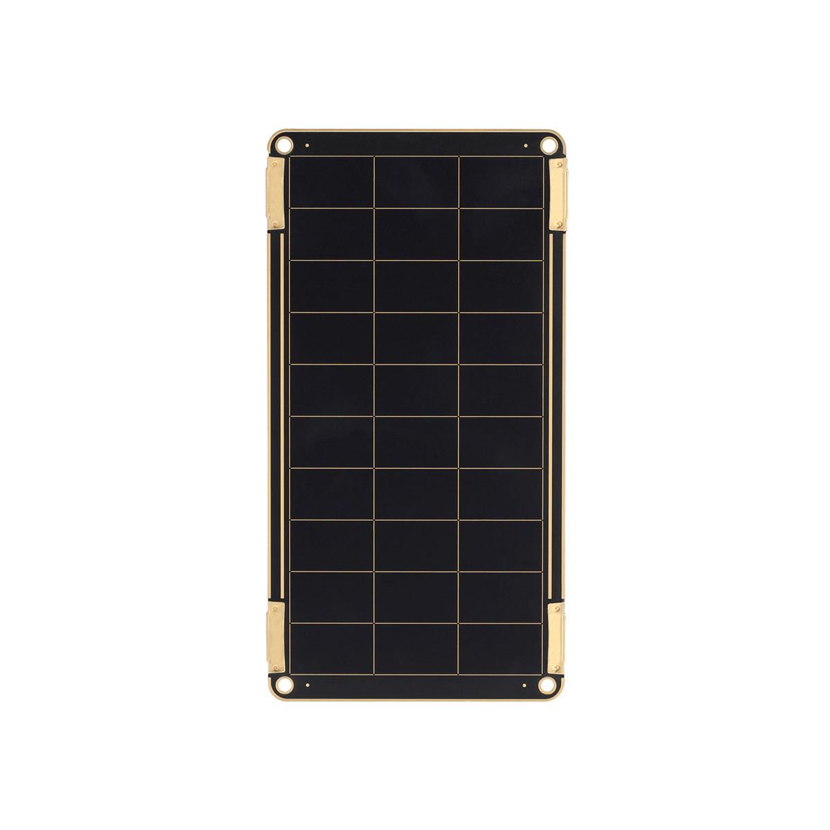 """""""太陽""""は、あなたのモバイルバッテリー 追加オプション(2.5W・1枚)  """"太陽""""がスマホを充電してくれる。晴れた日なら、家庭用コンセントとほぼ同じスピードで充電。薄さ2ミリのソーラーパネル充電器"""