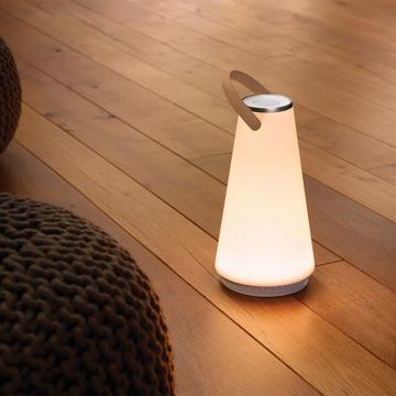 親しい人と寄り添いたくなる「Hi-Fiスピーカー」|360度に広がる、忠実な「音」と優しい「光」。持ち運べるので、いつでもどこでも空間を温かく演出するワイヤレススピーカー | UMA|