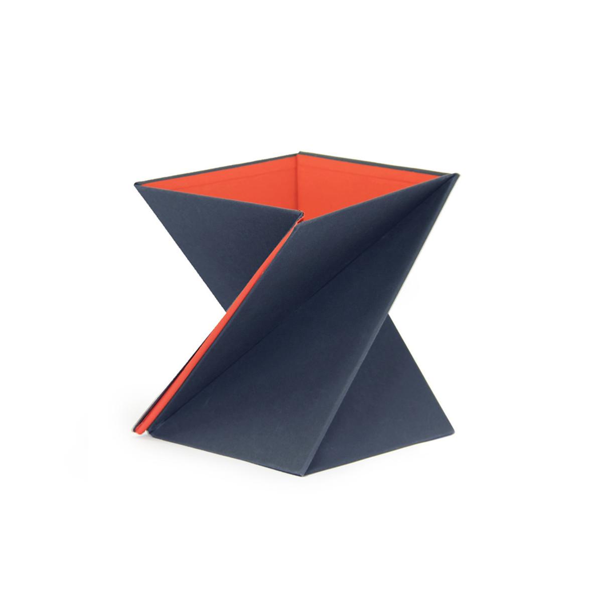 携帯できるスタンディングデスク 【在庫限り】Mサイズ(身長165〜175cm)  PC仕事の姿勢が変わる、折りたたみ式スタンディングデスク「LEVIT8」