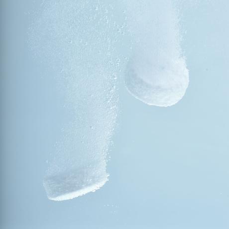 家のお風呂が「温泉」に 気になる頭皮や体のニオイを洗い流してくれる『Hot Tab 重炭酸泉』専用シャワーヘッド 重炭酸イオンシャワー 