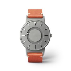 《BRADLEY×KBT》視覚障がい児童の未来のために、文字教育を支援する「KBT」とコラボした触る時計 | EONE