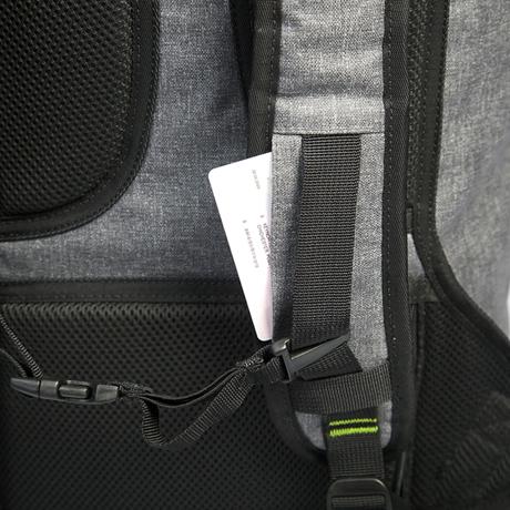 サーファーが開発した「防水バックパック Code 10」|《SIGNATURE ver.2》完全防水・テックスリーブ・盗難抑止機能・隠しポケットを搭載。10の機能を持ち合わせたバックパック | Code 10