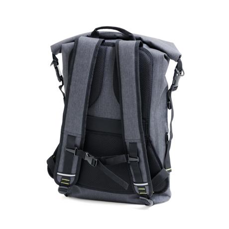 サーファーが開発した「防水バックパック Code 10」|《SIGNATURE ver.2》完全防水・テックスリーブ・盗難抑止機能・隠しポケットを搭載。10の機能を持ち合わせたバックパック | Code 10|BLACK