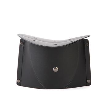 気軽に持ち運べて、長時間ラクに正座できる。薄さ3センチの「どこでもイス」| PATATTO正座