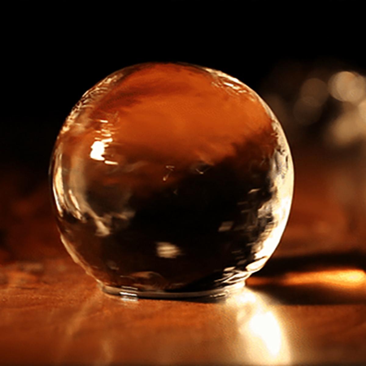 透明な丸い氷で、自宅がBARラウンジに|Polar Ice専用チューブ|BARで出てくるような透明な丸氷を、最大4個まで保管