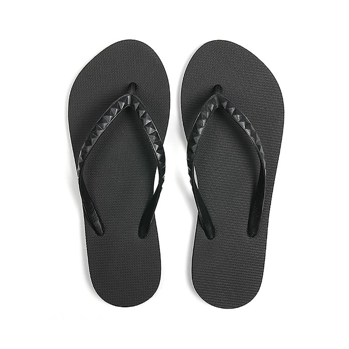 ハワイ生まれのLOHASなビーチサンダル|STUDDED (WOMEN) Lava Rock | 足も心も気持ちいい、ハワイ生まれのビーチサンダル