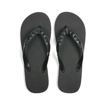 STUDDED (MEN) Lava Rock | 足も心も気持ちいい、ハワイ生まれのビーチサンダル